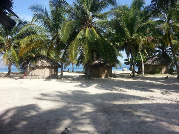 10562776 10152596363563748 2121765415 o 600x450 - Franklin island, Dorm or Private, San Blas Hotel
