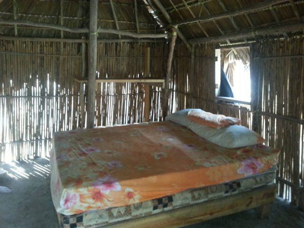 10587102 10152600486418748 1933301055 o 600x450 - Aroma (Anzuelo) island, Camping, Dorm or Private room