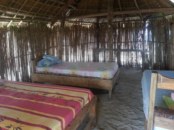10589389 10152600484178748 1581070819 o 600x450 - Franklin island, Dorm or Private, San Blas Hotel