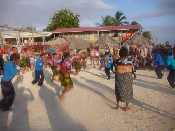 537971 10151569607263748 1231553062 n 600x450 - Boat Trip Colombia Panama from Sapzurro to Panama City 5 Days - 4 Nights