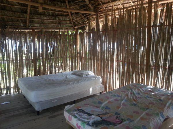958744 10152596358878748 256885083 o 1 600x450 - Narasgandup cabaña Miro, Camping, Dorm or Private.