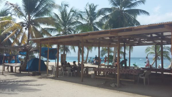 20150215 100932 600x338 - Diablo island, Camping, Dorm or Private. San Blas Adventures