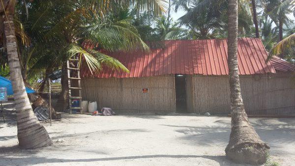 20150215 101038 600x338 - Diablo island, Camping, Dorm or Private. San Blas Adventures