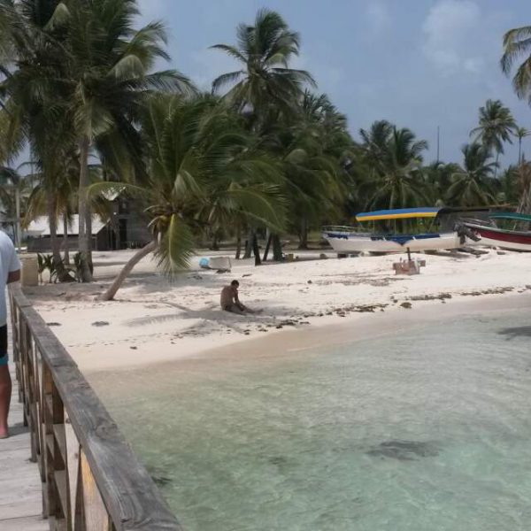 Eulogio Sanblas Adventure 20150523 144609 600x600 - Hotel Wailidup island, Dorm or Private with bathroom, best San Blas Experiences
